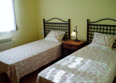 Dormitorio 2 camas Cruz del Gallo